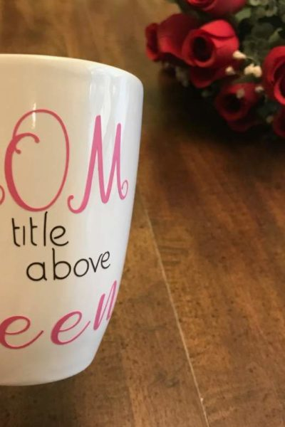 Are you looking for a free and easy vinyl Cricut project for mom? You're going to love this Cricut tutorial, especially if you love tutorials for beginners. Continue reading for your free project. #Cricut #Cricutmade #CricutDIY #mothersday #mom